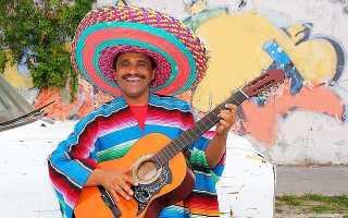 Во что одеваются мексиканцы. Делаем костюм мексиканца своими руками: пончо, сомбреро