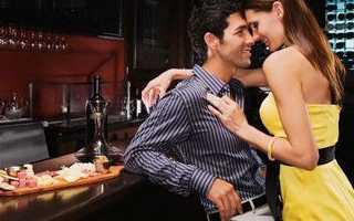 На что обращают внимание парни? Какие женщины привлекают в первую очередь и потом: мнение мужчин