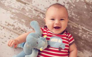 Какие игрушки нужны в 4 5 месяцев. Развитие ребенка на пятом месяце. Знакомимся с окружающим миром