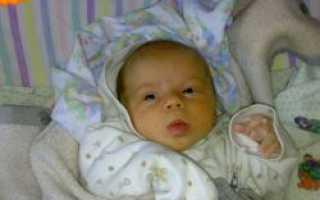 У младенца в 3 месяца текут слюни. Почему текут слюни у грудничка, что делать и как лечить